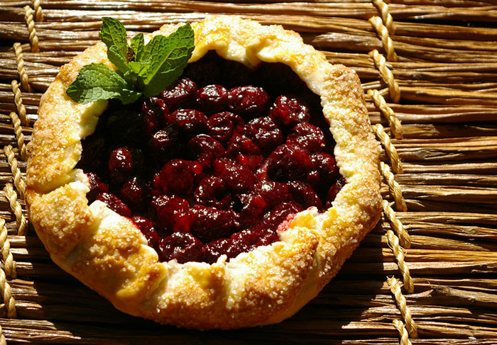 guinette-cherry-galette lit by the sun